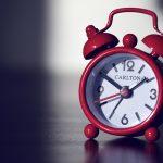 wekker staat op 10 voor 2 's nachts